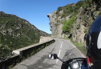 La Corse en moto : découvrez le défilé de Lancone…