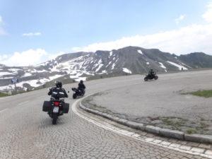 2-autriche-voyage-moto-route-virage