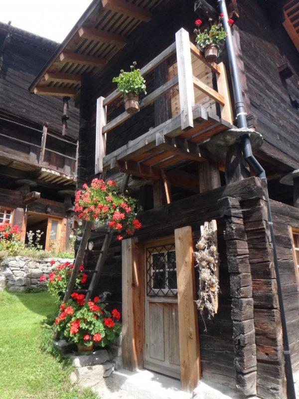 Détail d'une maison en Autriche sur la route des grandes alpes