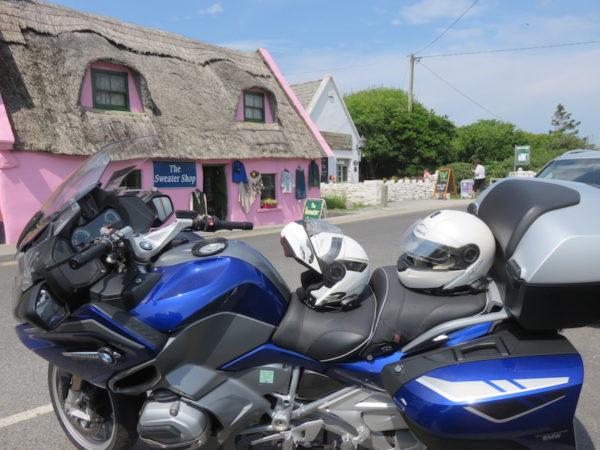 Arrêt moto à Doolin