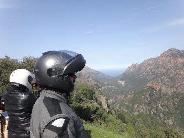 Motards en Corse