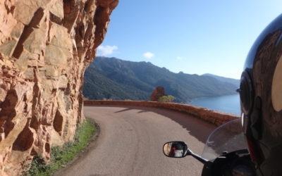 arrivee sur scandola à moto