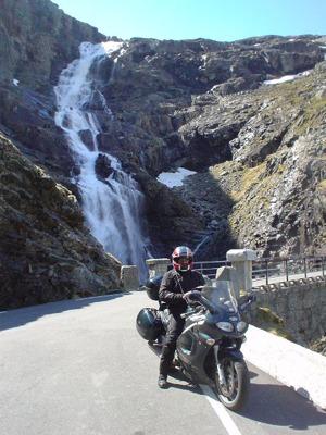 motard route des troll voyage norvège