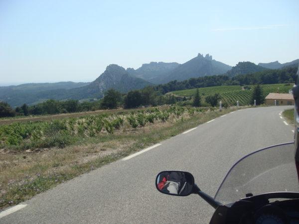 Les aiguilles de Montmirail à moto