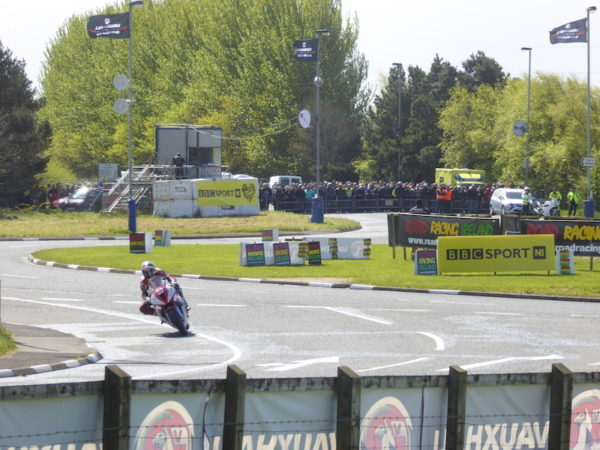 Rond-point à la North West 200