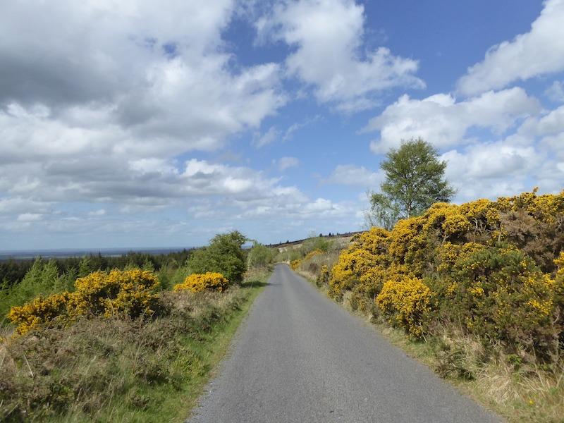 Petite route d'Irlande du nord à moto