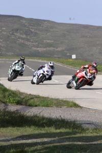 trois-moto-course