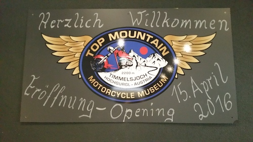 affiche du museum top mountain pour les motards