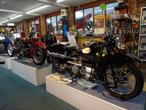 intérieur du musee moto sammy miller